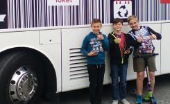 3 kinderen voor bus